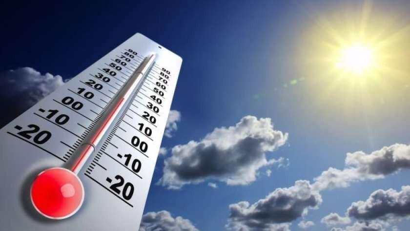 طقس اليوم /انخفاض تدريجي في درجات الحرارة