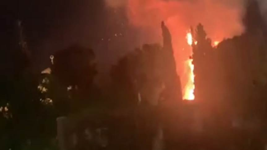اندلاع حريق في المسجد الاقصى (فيديو)