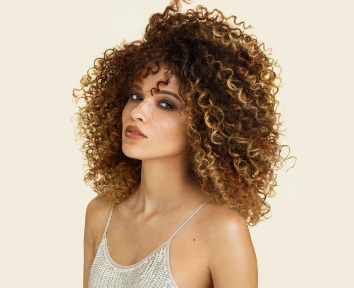 5 نصائح للحصول على شعر مجعد بصورة طبيعية