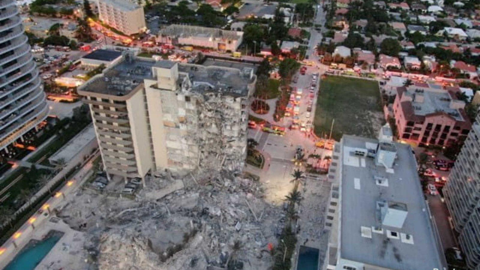 شاهد لحظة انهيار مبنى من 11 طابقا في فلوريدا (فيديو)