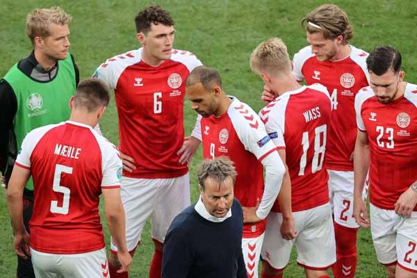 كأس أوروبا/ إريكسن يستعيد وعيه واستئناف مباراة الدنمارك وفنلندا