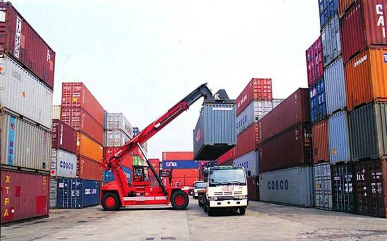 تعمق العجز التجاري لتونس رغم تحسن الصادرات