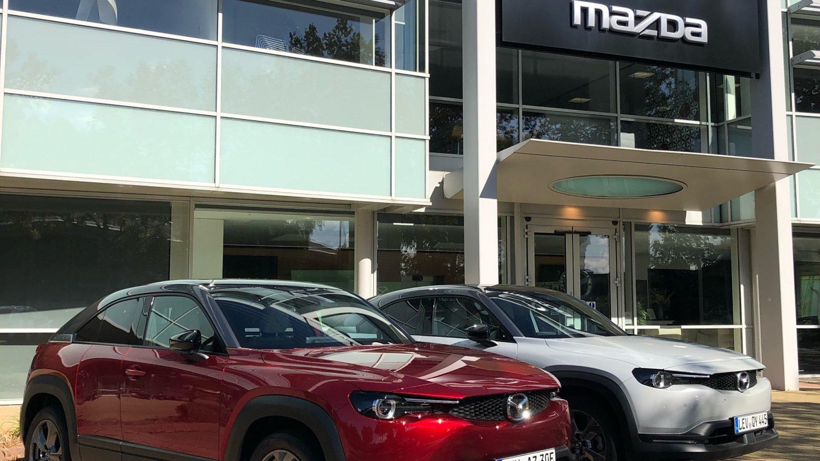 """سيارة """"مازدا"""" الكهربائية (فيديو)"""