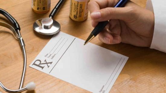المغرب/ قانون جديد يفرض على الأطباء كتابة الوصفات الطبية بخط واضح