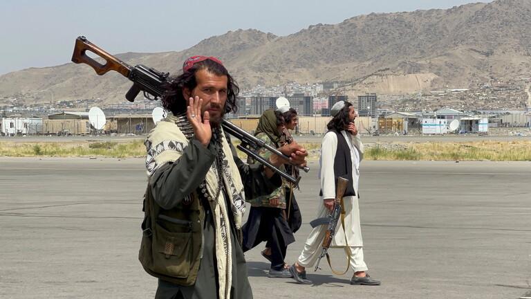 شاهد بالفيديو/ هكذا احتفلت طالبان بانسحاب القوات الأمريكية