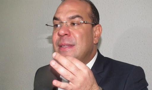 """مهدي بن غربية يقاضي رسميا """"الثورة نيوز"""""""