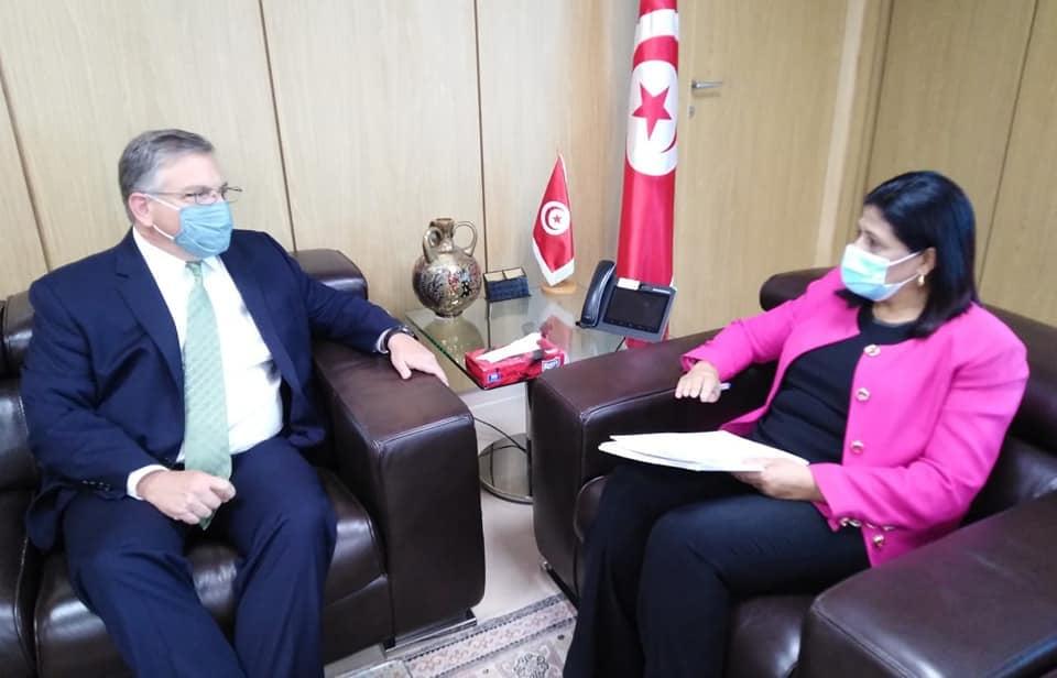 سفير امريكا يناقش مع وزيرة المالية الوضع المالي الحالي لتونس