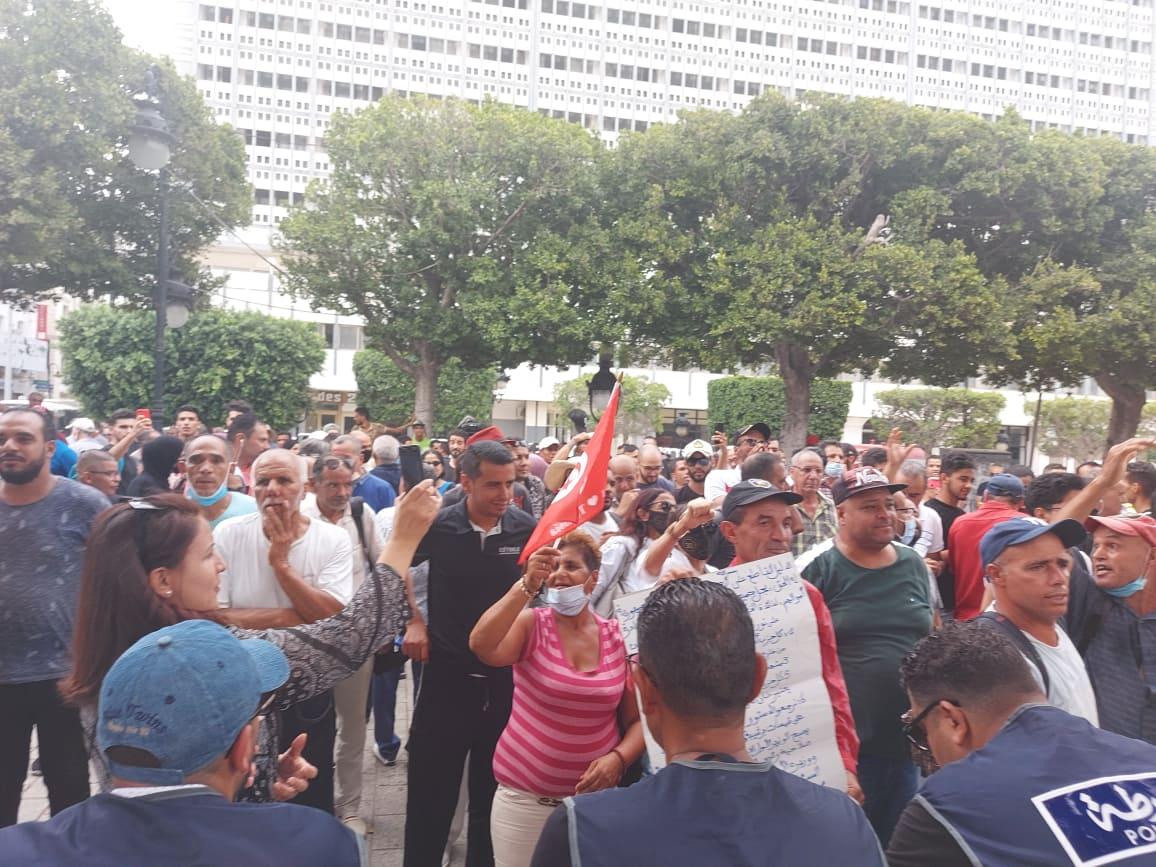 أنصار قيس سعيد ينظّمون وقفة في شارع بورقيبة (فيديو)