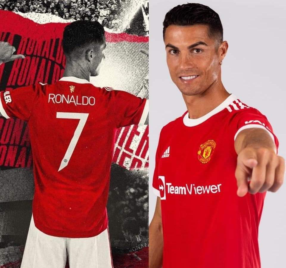 كريستيانو رونالدو يرتدي القميص رقم 7 مع مانشستر يونايتد