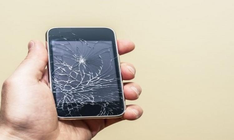 """باستطاعتك أن ترمي هاتفك المحمول كما تشاء فالعلماء طوروا شاشات """"تشفى لوحدها"""""""