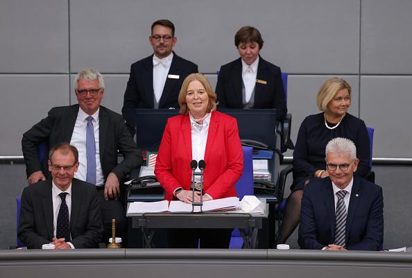 """""""باربل باس"""" ثالث امرأة تترأس البرلمان الألماني"""