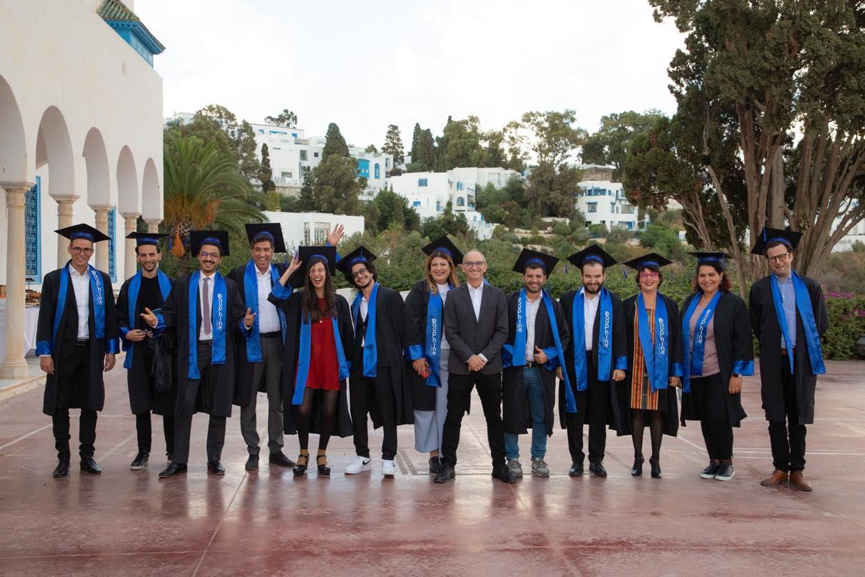"""احتفال """"مؤسسة بيات"""" وجامعة باريس دوفين تونس بتخرج أول دفعة للتكوين في مجال التسيير بالقطاع الثقافي"""