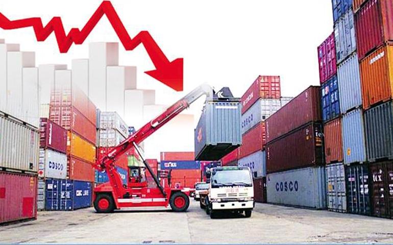 ارتفاع في واردات المواد الغذائية والتجهيز وتفاقم العجز التجاري